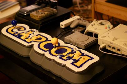 """""""Mini"""" ist das Capcom Home Arcade nur im Vergleich zu echten Arcade-Automaten."""