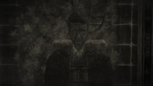 Curdins Gesicht wirkt entstellt; tiefe Falten bedecken seine dunkler gewordene Haut; die Augen sind nur noch weiß.